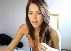 Cam girl Jenny masturbates with toy