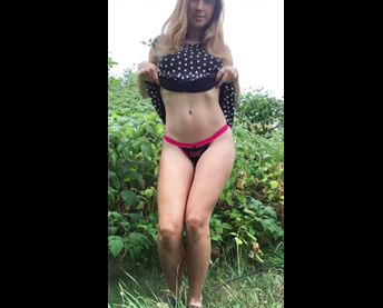 Reddit girl secretlittle outdoor undressing