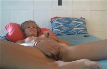 18yo blonde rubs pussy on bed <!-- width=