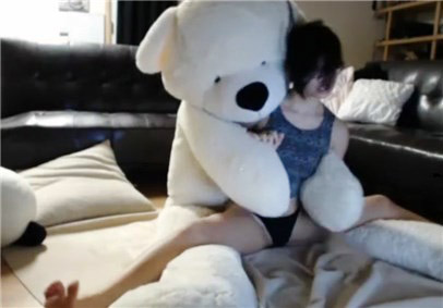 Slender babe nekolukka teases with teddy bear <!-- width=
