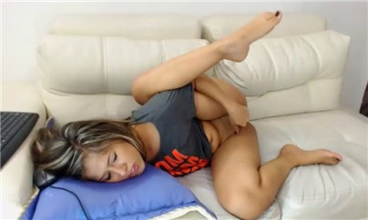 Camgirl loribauer hot masturbation <!-- width=