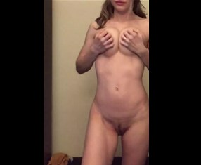 Reddit blonde girl rose_rose_r0se striptease <!-- width=