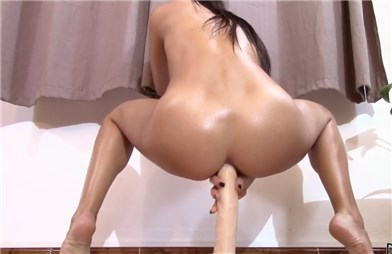 Pornhub babe Danika_Mori anal riding on dildo