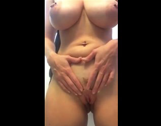 19yo Michelle playing with pussy