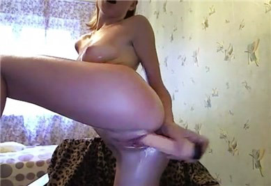 Oiled blonde camgirl hot dildoing <!-- width=