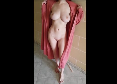 Reddit girl NaughtyThrowawayF only in robe <!-- width=