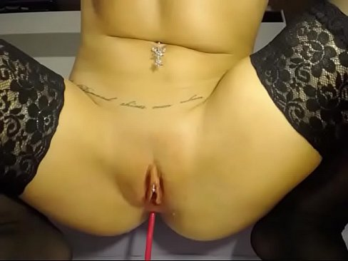 Slut fucks thick dildo in ass and pussy live cam
