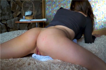 Sexy brunette humping a pillow and cums loudly <!-- width=
