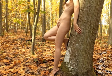 Girl undresses and masturbates in outdoors