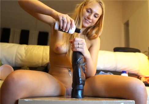 Crazy blonde and her anal dildo for the pizza guy