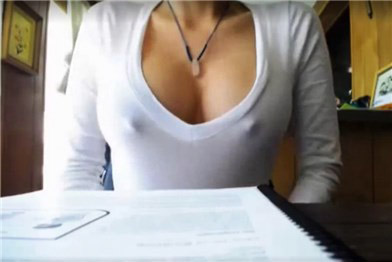 Girl flashing tits in restaurant <!-- width=