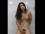 Amateur Korean girl masturbates in bathroom <!-- width=