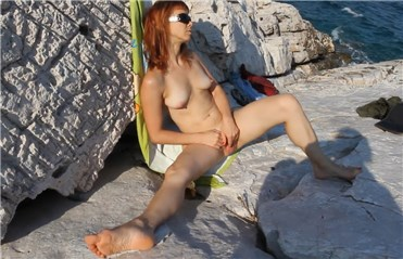 Amateur masturbation on greek beach <!-- width=