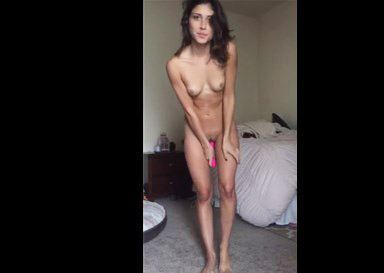 Sexy cam model with oiled body teasing <!-- width=